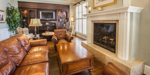 Hampton Inn & Suites Savannah Historic District in Savannah