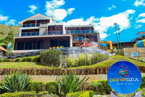 . Parque Acuático Planeta Azul