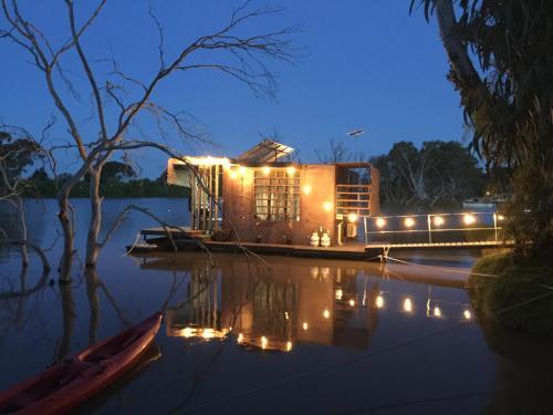 . Bill's Boathouse