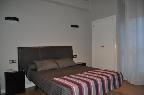 __{offers.Best_flights}__ Hotel Ocurris Ubrique