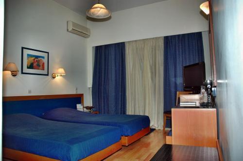 . Hotel Elena