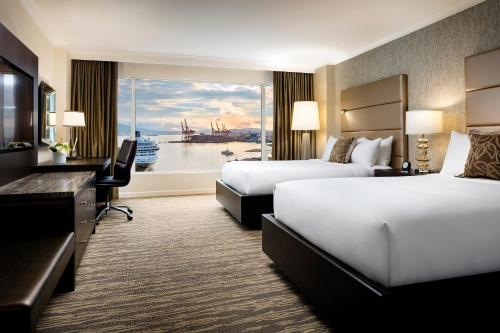 Signature Harbor View Room with Two Double Beds