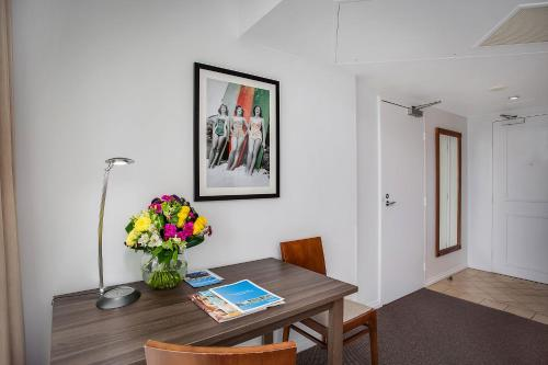 Mantra Legends Hotel Surfers Paradise In Australia