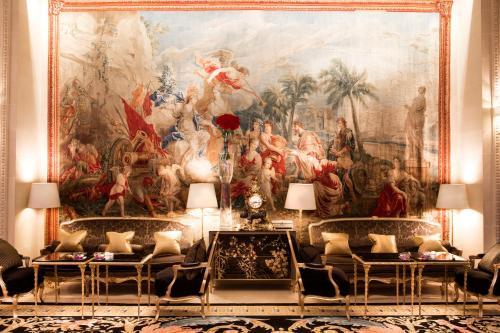 Four Seasons Hotel George V Paris photo 35