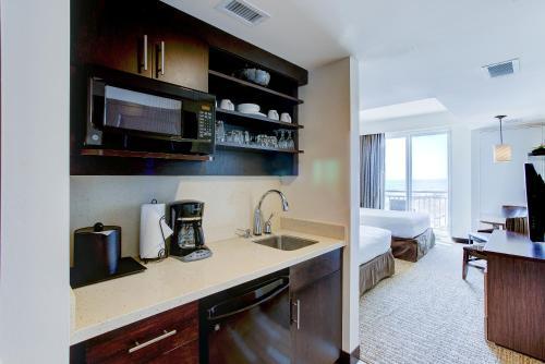 Oceanaire Resort Hotel In Virginia