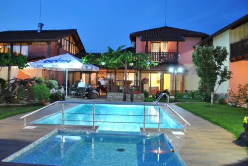 . Family hotel Complex Gradina