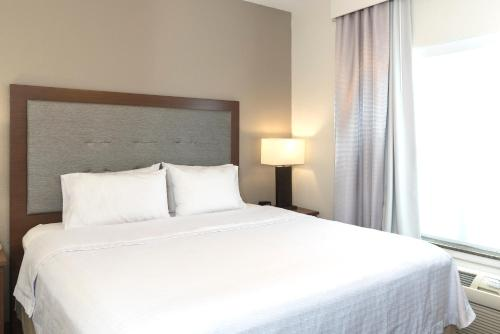Homewood Suites By Hilton Indianapolis-Airport/Plainfield - Plainfield, IN 46168