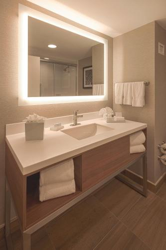 Hampton Inn by Hilton Monterrey Galerías