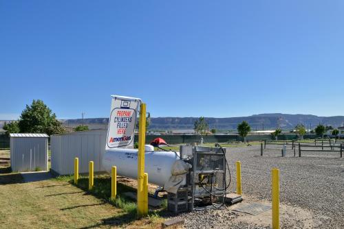 Junction West RV Park - A Cruise Inn Park - Grand Junction, CO 81505