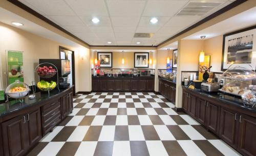 Hampton Inn & Suites Houston-Bush Intercontinental Airport in Houston
