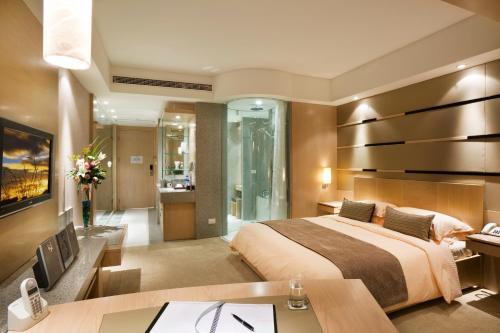 Regal International East Asia Hotel Представительский клубный двухместный номер с 1 кроватью или 2 отдельными кроватями