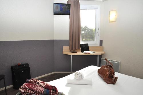Brit Hotel Caen Mondeville