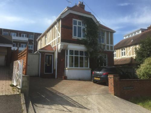 Weston Road Villa
