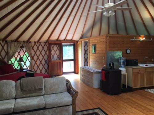 The Peaceful Yurt - Keaau, HI 96749