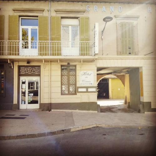 Hôtel Du Cours - Hôtel - Pertuis