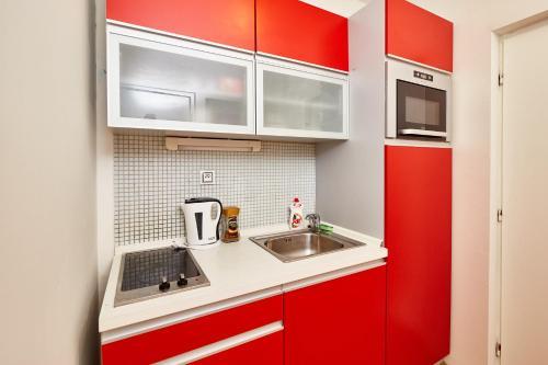 Prague Letna Apartments - image 12
