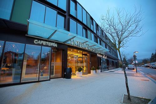 Aparthotel jardines de uleta vitoria gasteiz lava for Hotel jardines de uleta vitoria