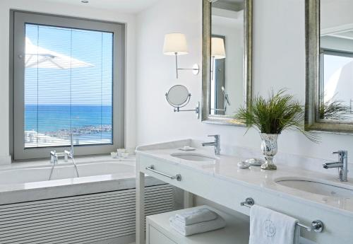 Suite (2 adultos + 1 niño de hasta 12 años) - Frente al mar (Suite - Water Front (2 Adults + 1 Child up to 12 years old))
