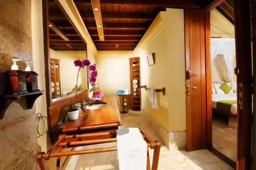 Courtyard One-Bedroom Villa with 1 Time 60 Minutes Massage for 1 Person