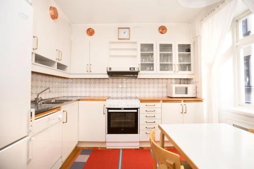 Lady Hamilton Apartments photo 32