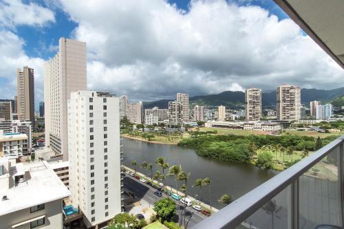 Island Colony Studio 1816 - Honolulu, HI 96815