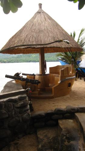 Фото отеля Larantuka Beach Apartments