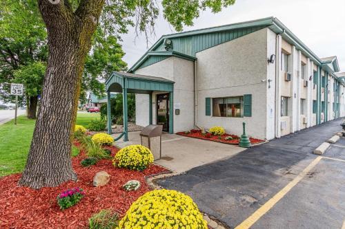 Motel 6-Appleton WI