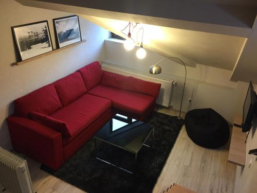 . Two Level Apartment near Gondola