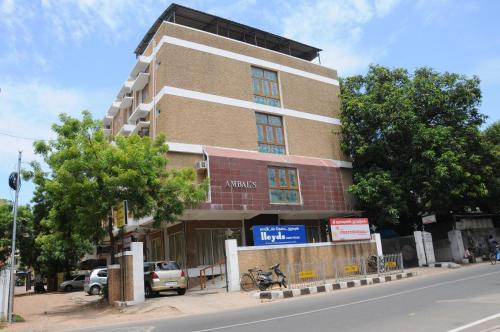 Lloyds Serviced Apartments, Near Music Academy