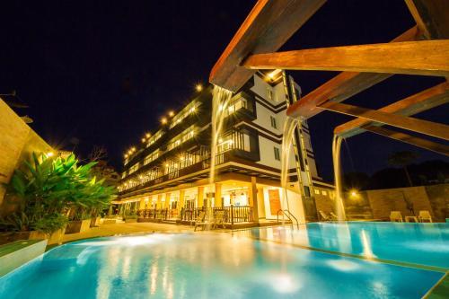 . TH beach hotel