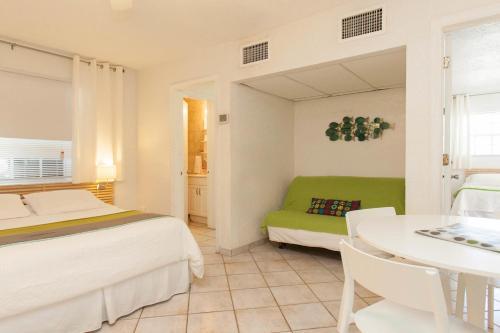 Villa Europa Hotel - Hollywood, FL 33019
