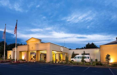 DoubleTree by Hilton Charlotte Airport - Hotel - Charlotte