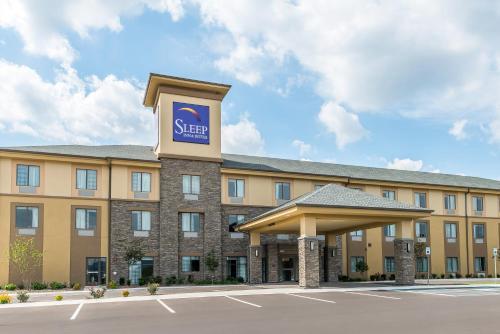 Sleep Inn & Suites Cumberland - Hotel