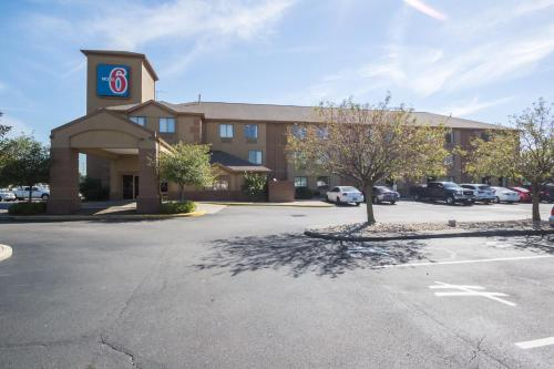 Motel 6 Indianapolis - Airport - Indianapolis, IN 46224