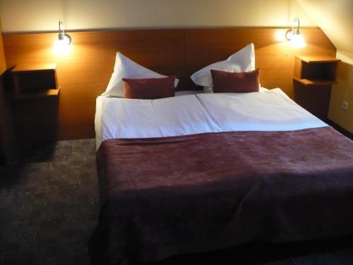 Hotel Luna Budapest фото номерів