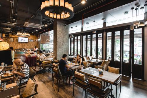 Adelphi Suites Bangkok photo 6