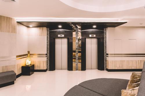 Adelphi Suites Bangkok photo 23