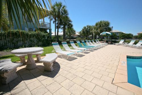 Emerald Shores By Wyndham Vacation Rentals - Destin, FL 32550