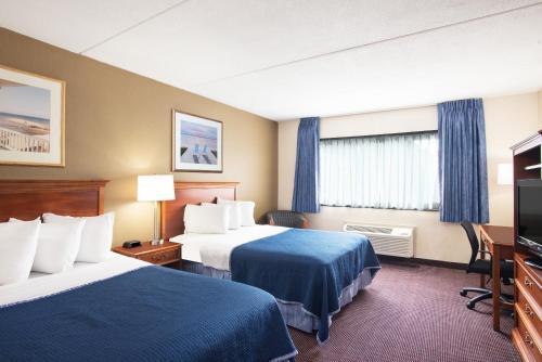 Howard Johnson Hotel By Wyndham South Portland - South Portland, ME 04106