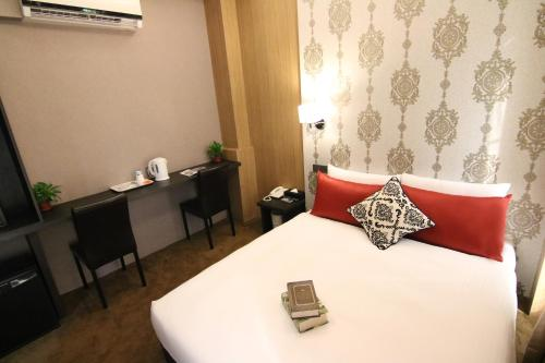 20:00後到店安排房型 (Room Selected at Check-In after 8pm)