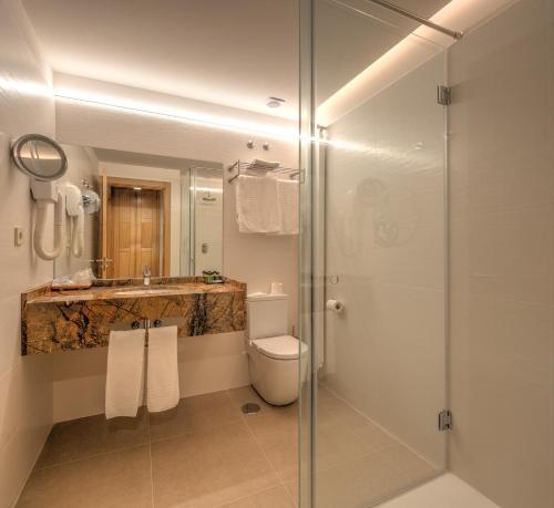 Habitación Doble Superior con aparcamiento gratuito Hotel Real Colegiata San Isidoro 21