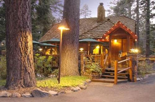 Wondrous Cottage Inn Adults Only Bed Breakfast Tahoe City In Ca Download Free Architecture Designs Scobabritishbridgeorg