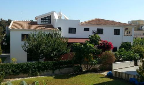 Kissonerga Apartment - Photo 3 of 25