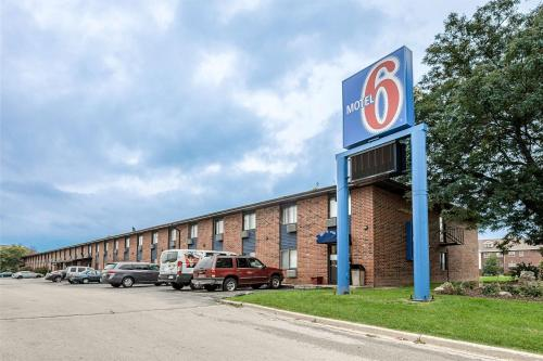 Motel 6-Oak Creek WI