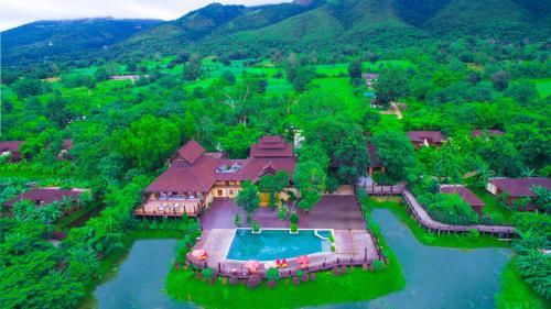 . Aureum Palace Hotel & Resort Inle