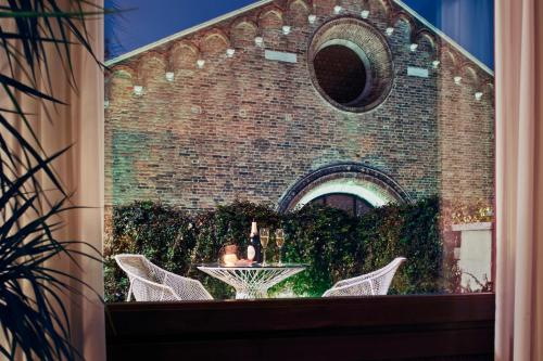 Campiello Santo Stefano, San Marco 3470, Venice, 30124.