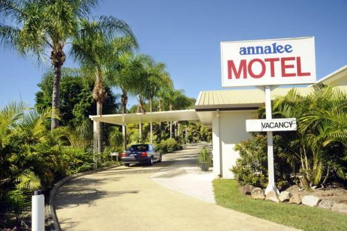 Фото отеля Annalee Motel Beaudesert