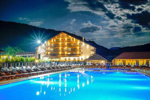 . Mirage Resort & Spa