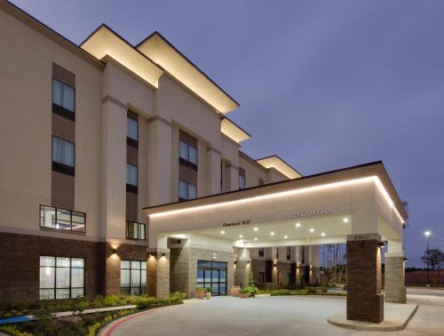 . Hampton Inn & Suites Tyler-South