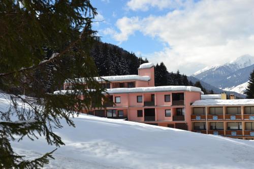Residence Garden Appartamenti Solandra Mezzana